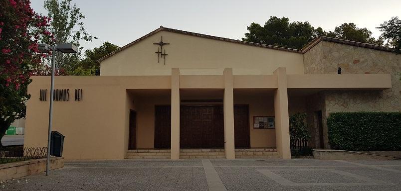 Kirche-Paguera-von-vorne-Haupteingang