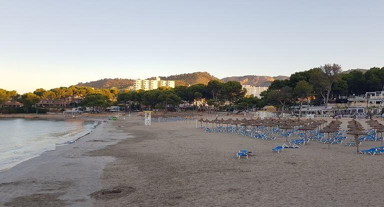 Tora-Strand-fruehmorgens