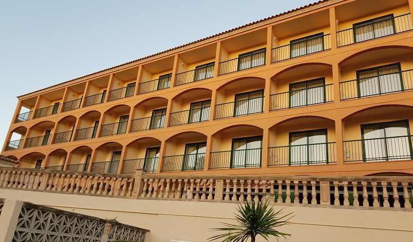 valentin-paguera-hotel-suites-balkone-der-zimmer